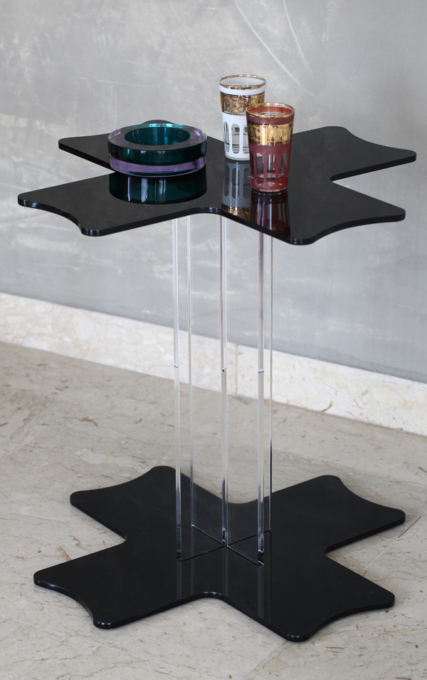 /media/1073/table-cross-black-plexiglass.jpg